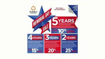 Ashley HomeStore Memorial Day Sale TV Spot, 'Sofá Belcampo' [Spanish] - Thumbnail 4