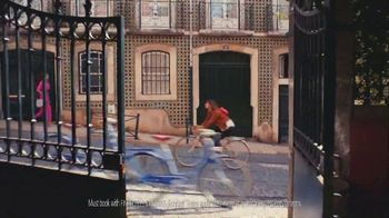American Express Platinum TV Spot, 'Bike Ride' Song by Jarina De Marco - Thumbnail 4