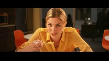Honey Bunches of Oats TV Spot, 'Afternoon Snack Breaks' - Thumbnail 6