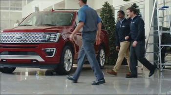 Ford Built for the Holidays Sales Event TV Spot, 'An Offer Even Scrooge Would Like' [T2] - Thumbnail 7