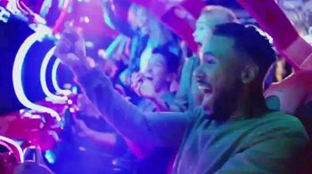 Dave and Buster's Unlimited Video Game Play + Unlimited Wings TV Spot, 'Extended' - Thumbnail 2