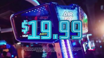 Dave and Buster's Unlimited Video Game Play + Unlimited Wings TV Spot, 'Extended' - Thumbnail 4