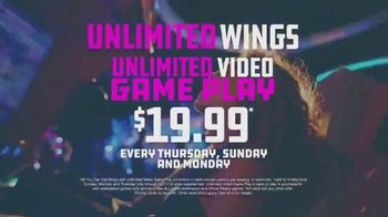 Dave and Buster's Unlimited Video Game Play + Unlimited Wings TV Spot, 'Extended' - Thumbnail 7
