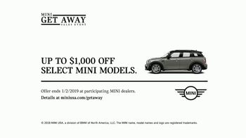 MINI USA Get Away Sales Event TV Spot, 'Out Into the World' [T2] - Thumbnail 10