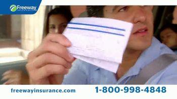Freeway Insurance TV Spot, 'Momentos nerviosos' [Spanish] - Thumbnail 4