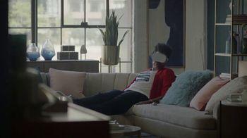 Oculus VR TV Spot, 'Sword' Featuring Leslie Jones & Awkwafina - Thumbnail 6