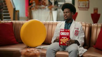 Cheez-It TV Spot, 'Who's Winning the Cheez-It Bowl?' - Thumbnail 8