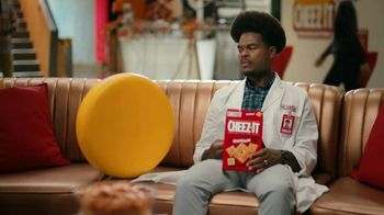 Cheez-It TV Spot, 'Who's Winning the Cheez-It Bowl?' - Thumbnail 9