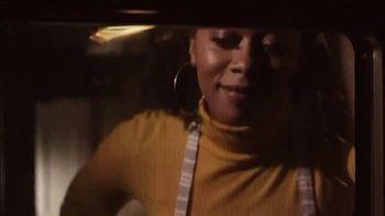 Walmart TV Spot, 'Bad Mama Jama' Song by Carl Carlton - Thumbnail 5