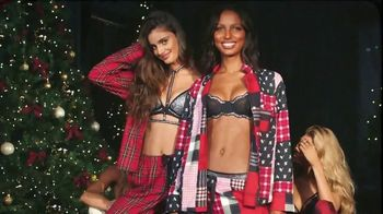 Victoria's Secret TV Spot, 'Holidays: The Gifts She Wants' - 308 commercial airings