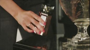 Victoria's Secret TV Spot, 'Holidays: The Gifts She Wants' - Thumbnail 8