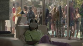 Oculus Go TV Spot, 'Wiz Watches Penguins' Featuring Wiz Khalifa - Thumbnail 2