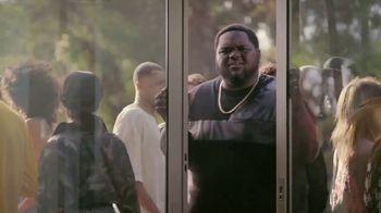 Oculus Go TV Spot, 'Wiz Watches Penguins' Featuring Wiz Khalifa - Thumbnail 3