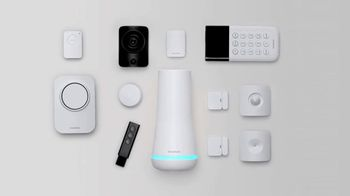 SimpliSafe TV Spot, 'Home Sweet Home: Holiday Pricing' - Thumbnail 5