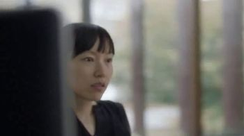 LG Signature TV Spot, 'CNN: Light' Featuring Suki Chan