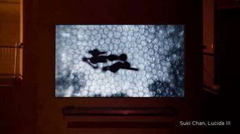 LG Signature TV Spot, 'CNN: Light' Featuring Suki Chan - Thumbnail 4