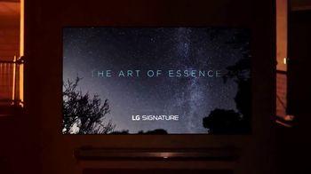 LG Signature TV Spot, 'CNN: Light' Featuring Suki Chan - Thumbnail 7
