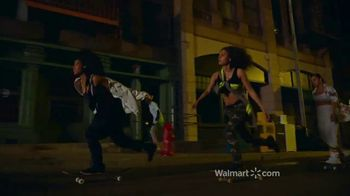 Walmart TV Spot, 'We Dress America: Anthem' canción de Pharrell Williams [Spanish] - Thumbnail 4