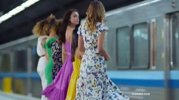 Old Navy TV Spot, 'Hi, Fashion: Spring Fashions' - Thumbnail 2
