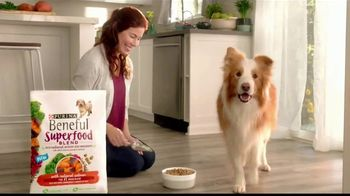 Purina Beneful Superfood Blend TV Spot, 'Súper saludable' [Spanish] - Thumbnail 2