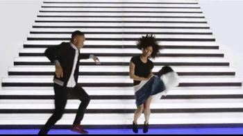 Rooms to Go Venta por el Aniversario TV Spot, 'Tu mejor noche' canción de Portugal. The Man [Spanish] - Thumbnail 4