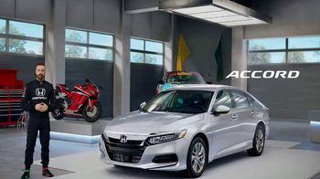 Honda Dream Garage Spring Event TV Spot, 'Accord' Featuring James Hinchcliffe [T1] - Thumbnail 6