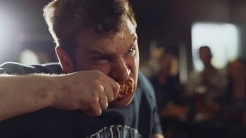 Buffalo Wild Wings TV Spot, 'March Madness: Mr. Pickles' - Thumbnail 7
