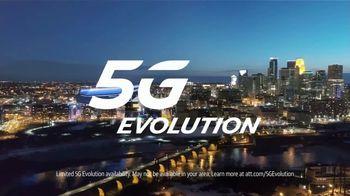 AT&T Wireless 5G Evolution TV Spot, 'OK March Madness: Rebound' - Thumbnail 8