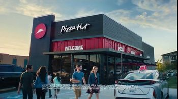 Pizza Hut $5 Lineup TV Spot, 'All the Variety. All for $5 Each.' - Thumbnail 9