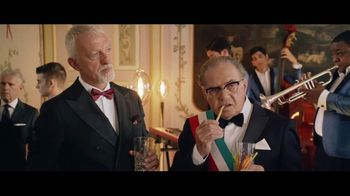 Barilla Collezione Spaghetti TV Spot, 'The Party' Featuring Roger Federer, Mikaela Shiffrin, Davide Oldani - Thumbnail 2