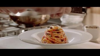 Barilla Collezione Spaghetti TV Spot, 'The Party' Featuring Roger Federer, Mikaela Shiffrin, Davide Oldani - Thumbnail 7