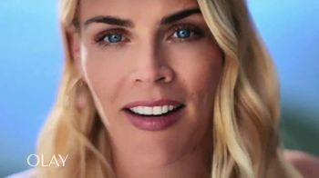 Olay Regenerist Whip SPF 25 TV Spot, 'Busy Phillips and Her SPF' - 7789 commercial airings