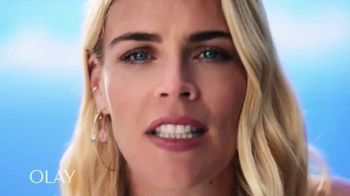 Olay Regenerist Whip SPF 25 TV Spot, 'Busy Phillips and Her SPF' - Thumbnail 10