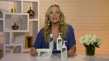 Olay Sensitive Cleansing Collection TV Spot, 'Changing Seasons' Featuring Carmindy - Thumbnail 9
