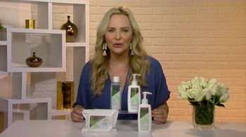 Olay Sensitive Cleansing Collection TV Spot, 'Changing Seasons' Featuring Carmindy - Thumbnail 4