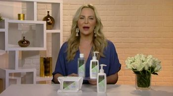 Olay Sensitive Cleansing Collection TV Spot, 'Changing Seasons' Featuring Carmindy - Thumbnail 8