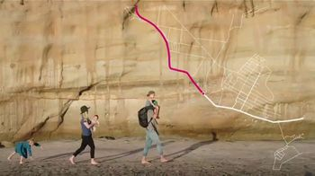 T-Mobile TV Spot, 'Family Vacation: T-Mobile Has You Covered' - Thumbnail 4