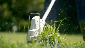 STIHL TV Spot, 'Lawn Orchestra: Hedge Trimmer and Blower' Song by Nikolai Rimsky-Korsakov - Thumbnail 3