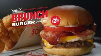Sonic Drive-In Brunch Burger TV Spot, 'E! Trending Topics' - Thumbnail 9