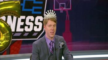 AT&T Wireless TV Spot, 'NCAA March Madness: Phil's Big Dance' - Thumbnail 4