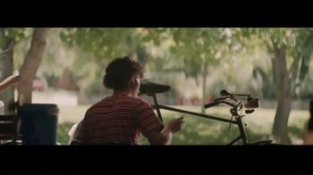 Rust-Oleum TV Spot, 'Spray New Life Into Your Next Project' - Thumbnail 2