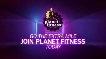 Planet Fitness TV Spot, 'CBS: Million Dollar Extra Mile: Nikki' - Thumbnail 6