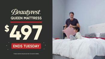 Mattress Firm Sign & Sleep Event TV Spot, 'Final Days: 0 Percent Interest' - Thumbnail 7