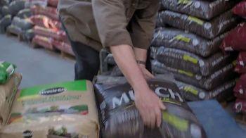 Lowe's TV Spot, 'Spring: Fertilizers' - Thumbnail 3