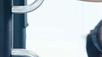 Planet Fitness TV Spot, 'Sideways Pull Ups' - Thumbnail 1