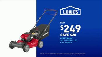 Lowe's TV Spot, 'Do It Wright Playbook: Lawn Care' Featuring Jay Wright - Thumbnail 9