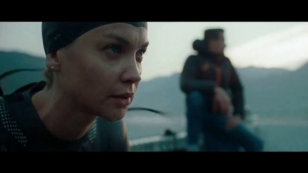 Mercedes-Benz GLE TV Commercial, 'In the Long Run' Song by ...