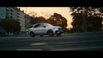 Mercedes-Benz GLE TV Spot, 'In the Long Run' Song by Michael Kiwanuka [T1] - Thumbnail 3