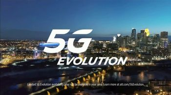 AT&T Wireless 5G Evolution TV Spot, 'OK March Madness: Freebird' - Thumbnail 6