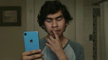 Apple iPhone TV Spot, 'Privacy: The Answer' Song by Bo Diddley - Thumbnail 5